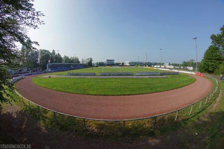 Montanhydraulik-Stadion_Holzwickede_01
