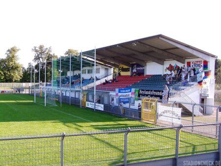 Stadion_am_Schönbusch_Viktoria_Aschaffenburg_01