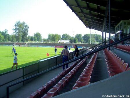 Karl-Heitz-Stadion_Offenburg (3)