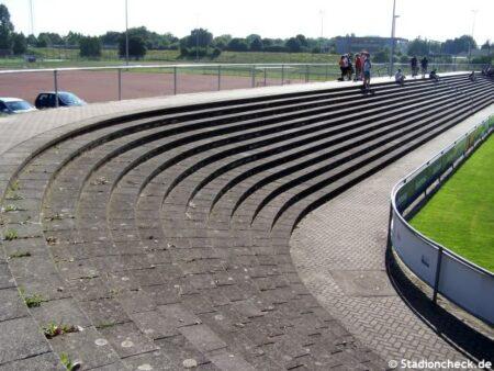 Karl-Heitz-Stadion_Offenburg (4)
