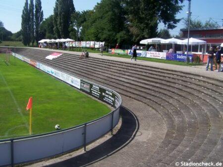 Karl-Heitz-Stadion_Offenburg (6)