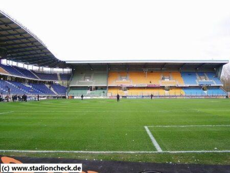 Stade_de_l_Aube_ES_Troyes_AC01