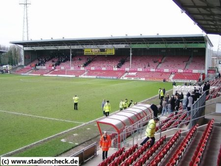 The_Racecourse_Ground_Wrexham_FC02