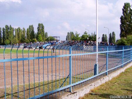 Stadion_im._Czesława_Kobusa_04