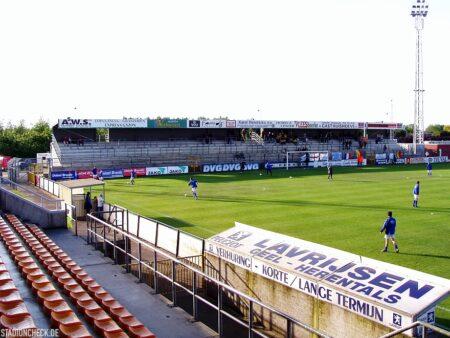 Stadion-De-Leunen_Geel_03