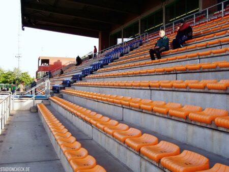 Stadion-De-Leunen_Geel_05