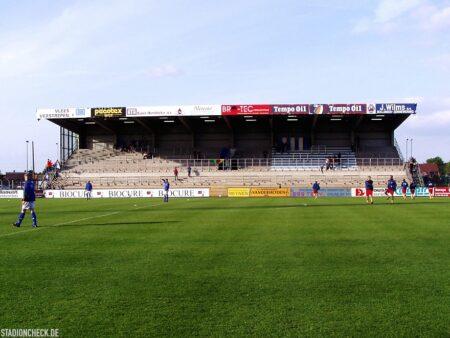 Stadion-De-Leunen_Geel_07